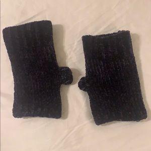 Navy Chenille fingerless gloves